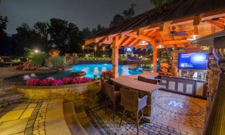 Entertainer's Pool Party Landscape