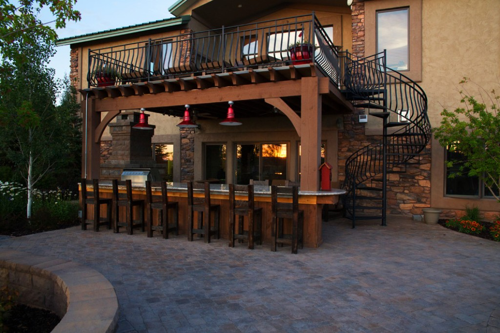 RUSTIC OUTDOOR KITCHEN WITH ROOFTOP DECK